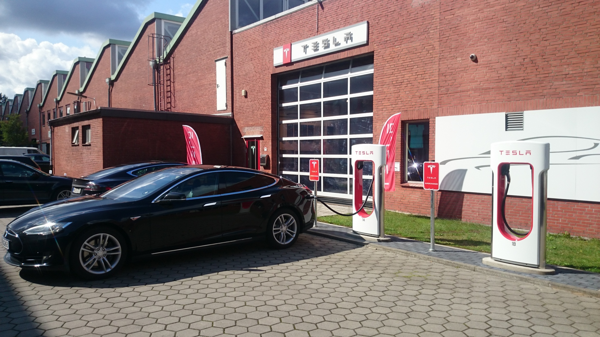 Tesla Supercharger Hamburg