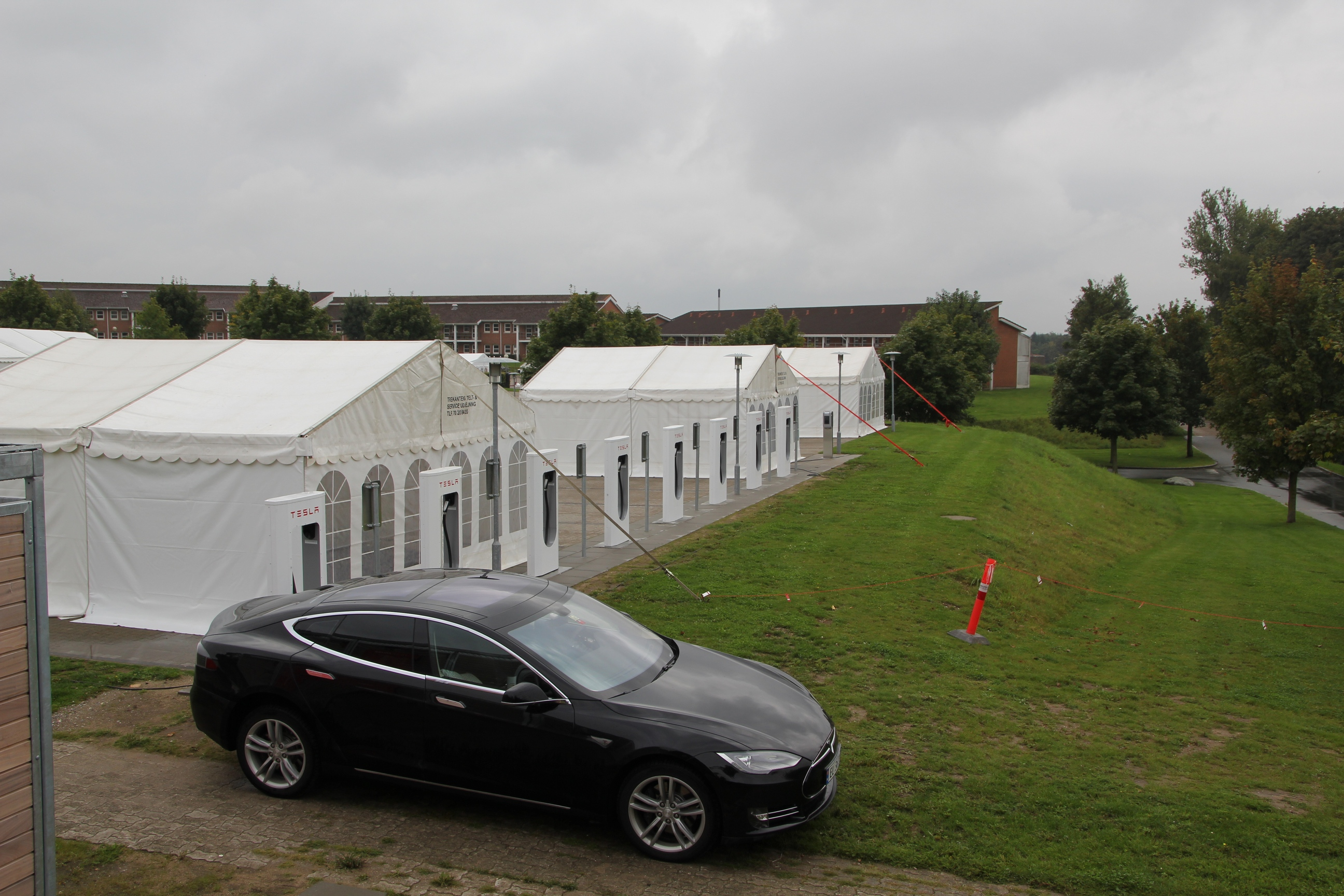 Tesla Supercharger Middelfart